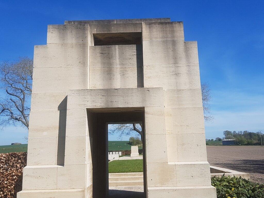 LA NEUVILLE BRITISH CEMETERY, CORBIE - CWGC