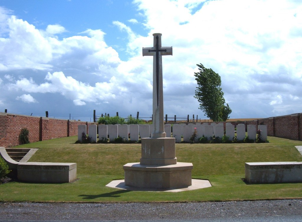 CAPELLE-BEAUDIGNIES ROAD CEMETERY - CWGC