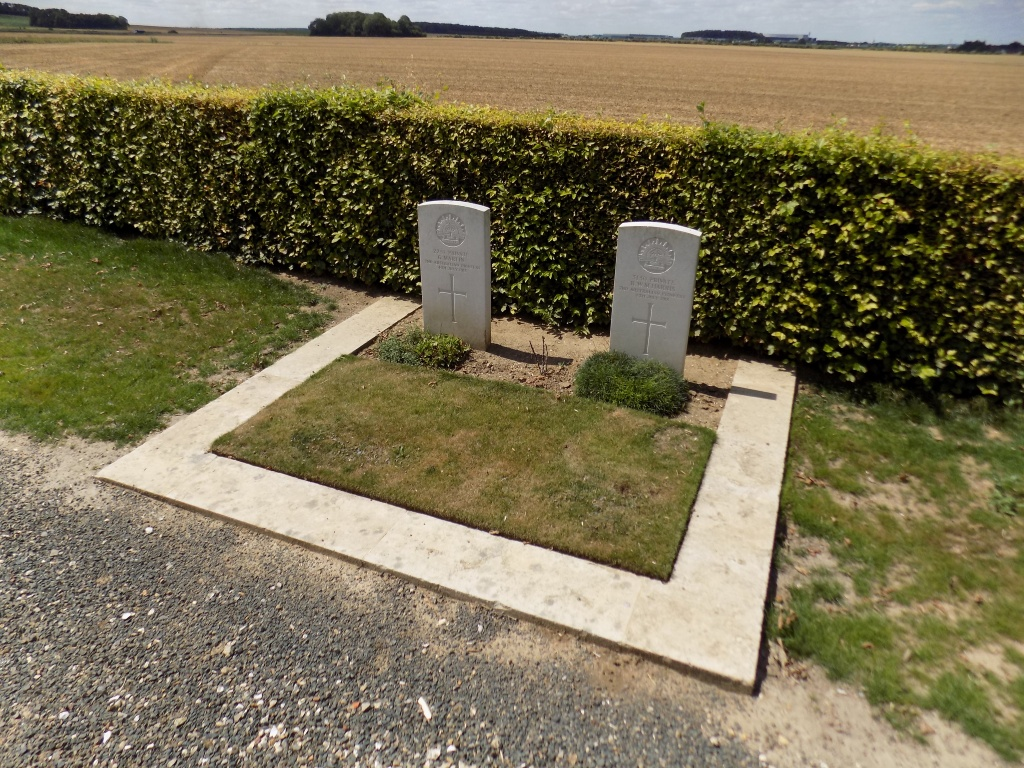 BLANGY-TRONVILLE COMMUNAL CEMETERY - CWGC