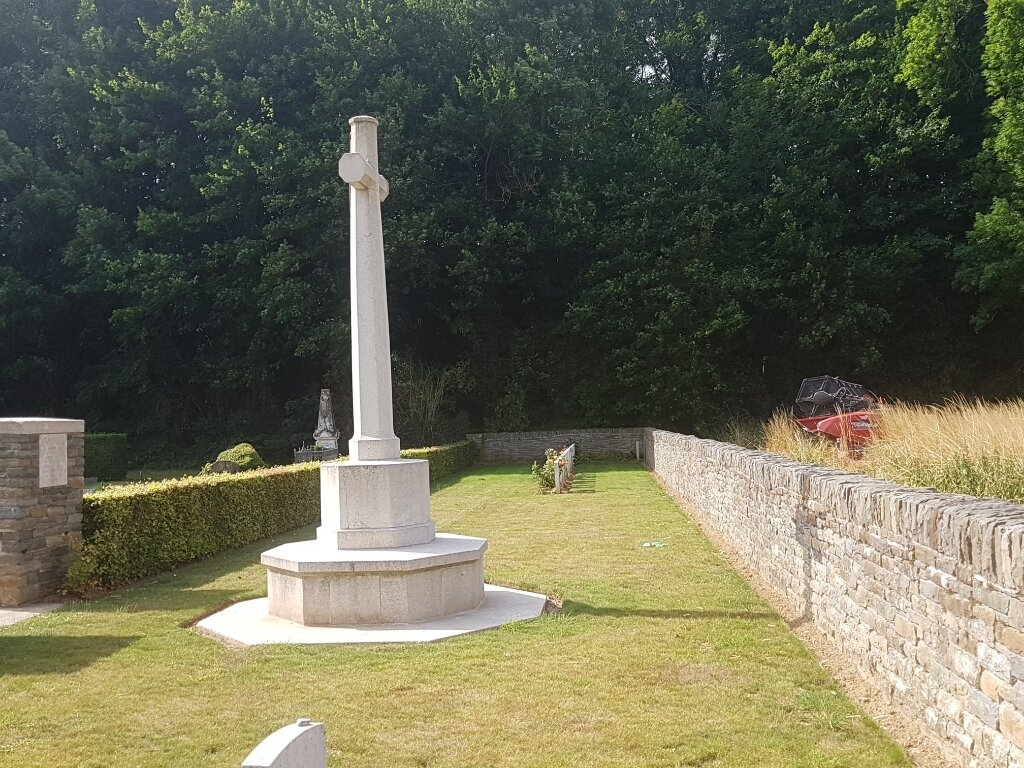 MONTIGNY COMMUNAL CEMETERY EXTENSION, SOMME - CWGC