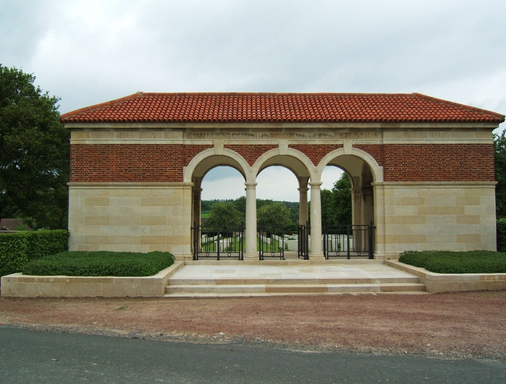 COMBLES COMMUNAL CEMETERY EXTENSION - CWGC