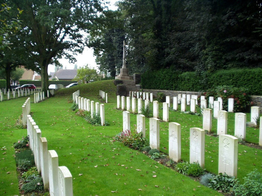 GORRE BRITISH AND INDIAN CEMETERY - CWGC