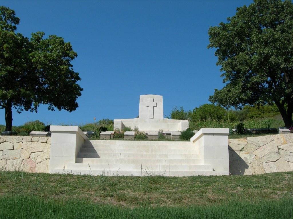 4TH BATTALION PARADE GROUND CEMETERY - CWGC