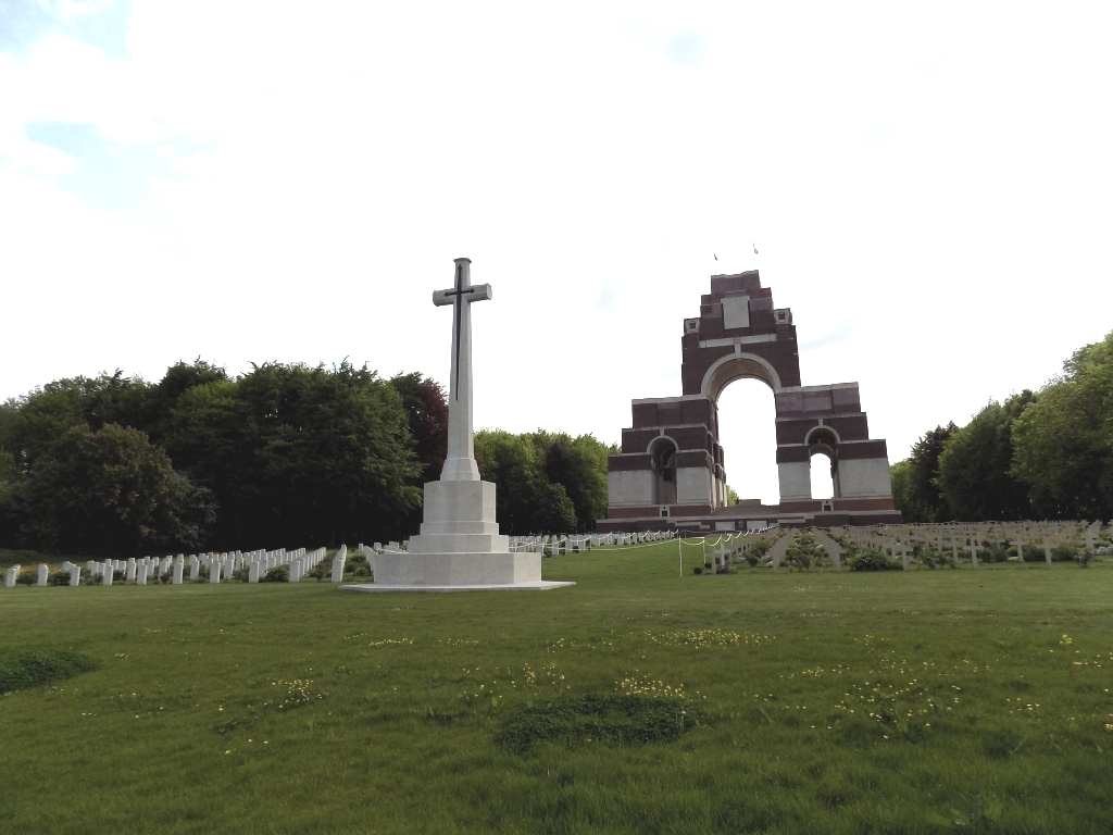 THIEPVAL ANGLO-FRENCH CEMETERY - CWGC