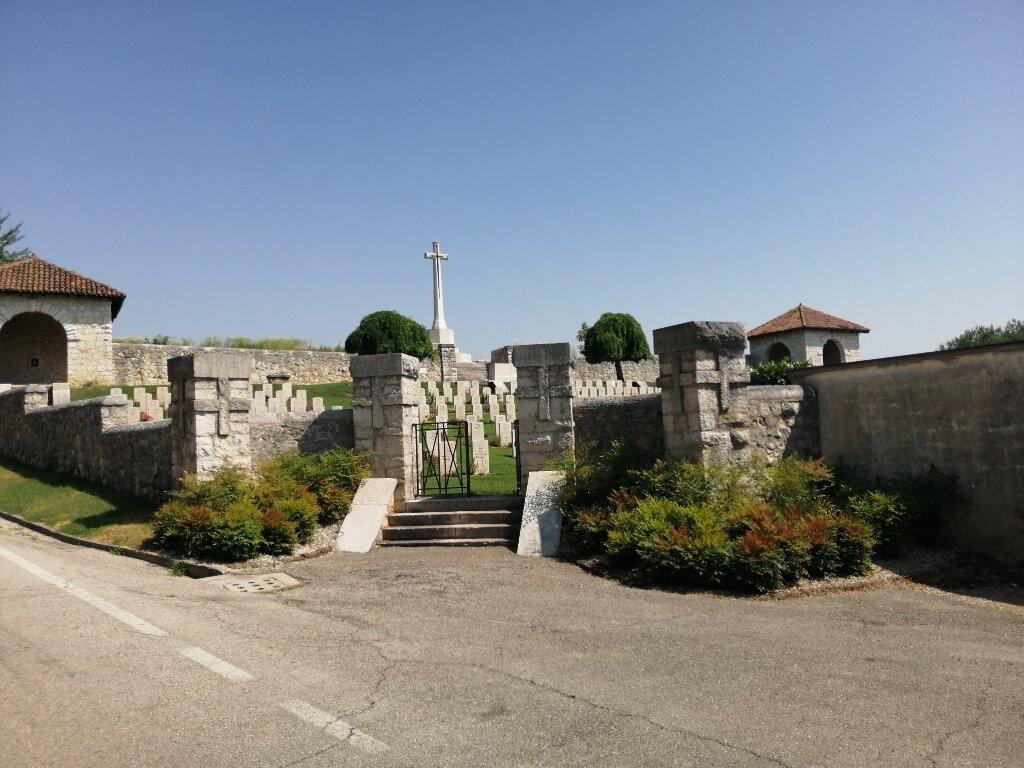 MONTECCHIO PRECALCINO COMMUNAL CEMETERY EXTENSION - CWGC