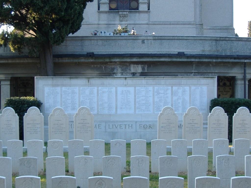 SAVONA MEMORIAL - CWGC