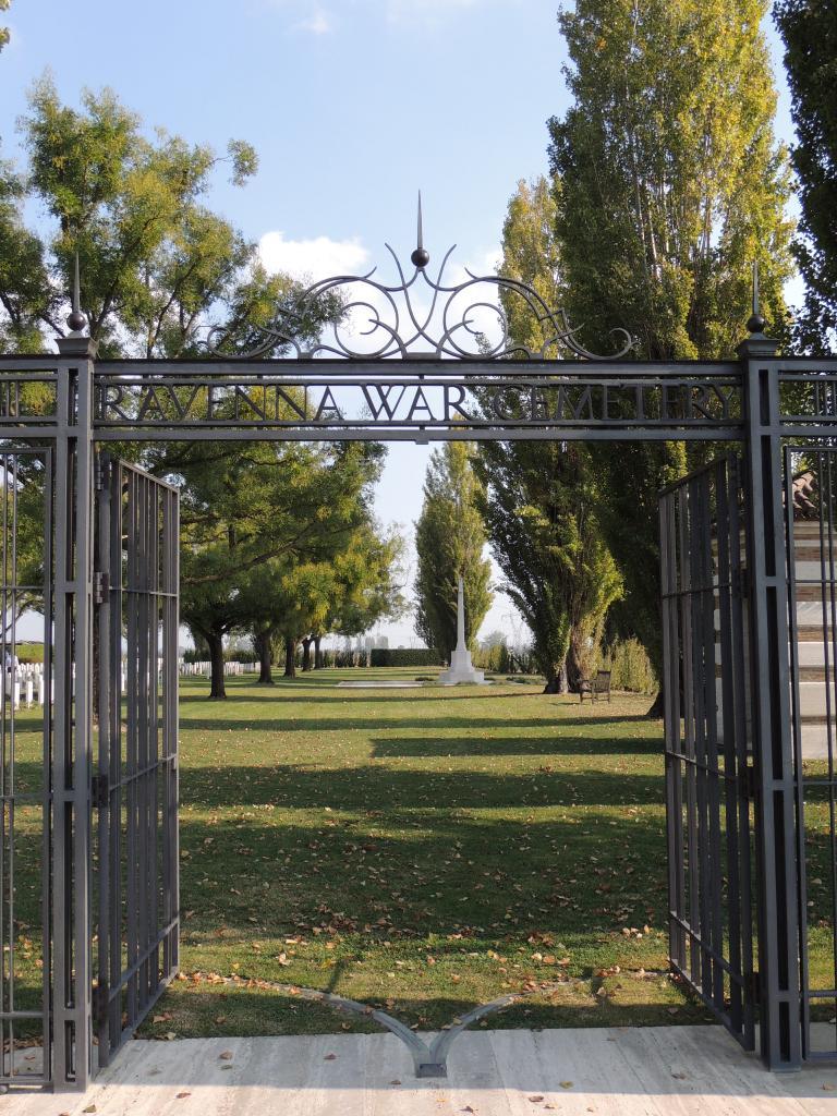 RAVENNA WAR CEMETERY - CWGC