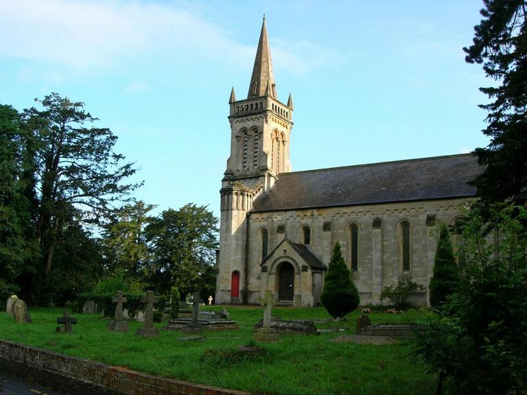 SHAW (ST. MARY) CHURCHYARD - CWGC