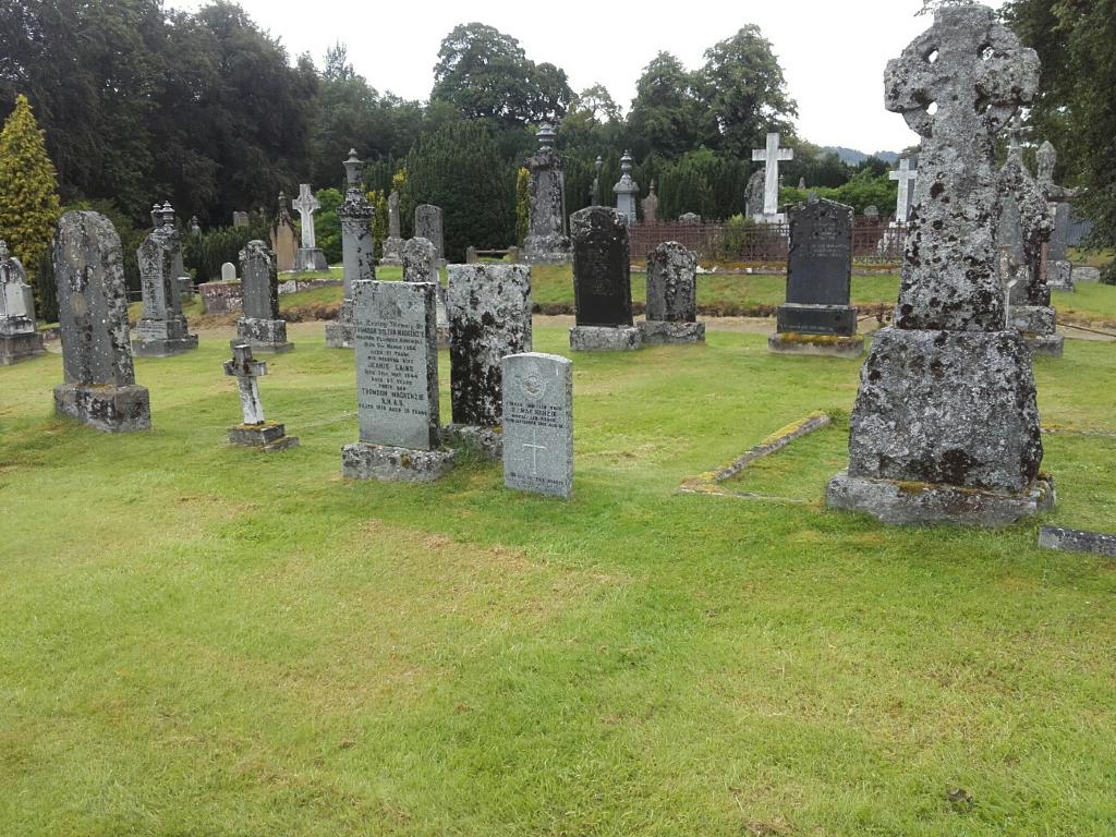 FODDERTY OLD CHURCHYARD - CWGC