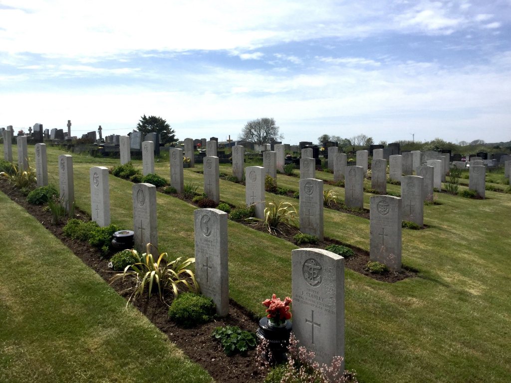MILFORD HAVEN CEMETERY - CWGC