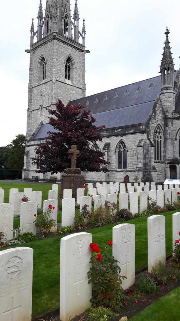 BODELWYDDAN (ST. MARGARET) CHURCHYARD - CWGC