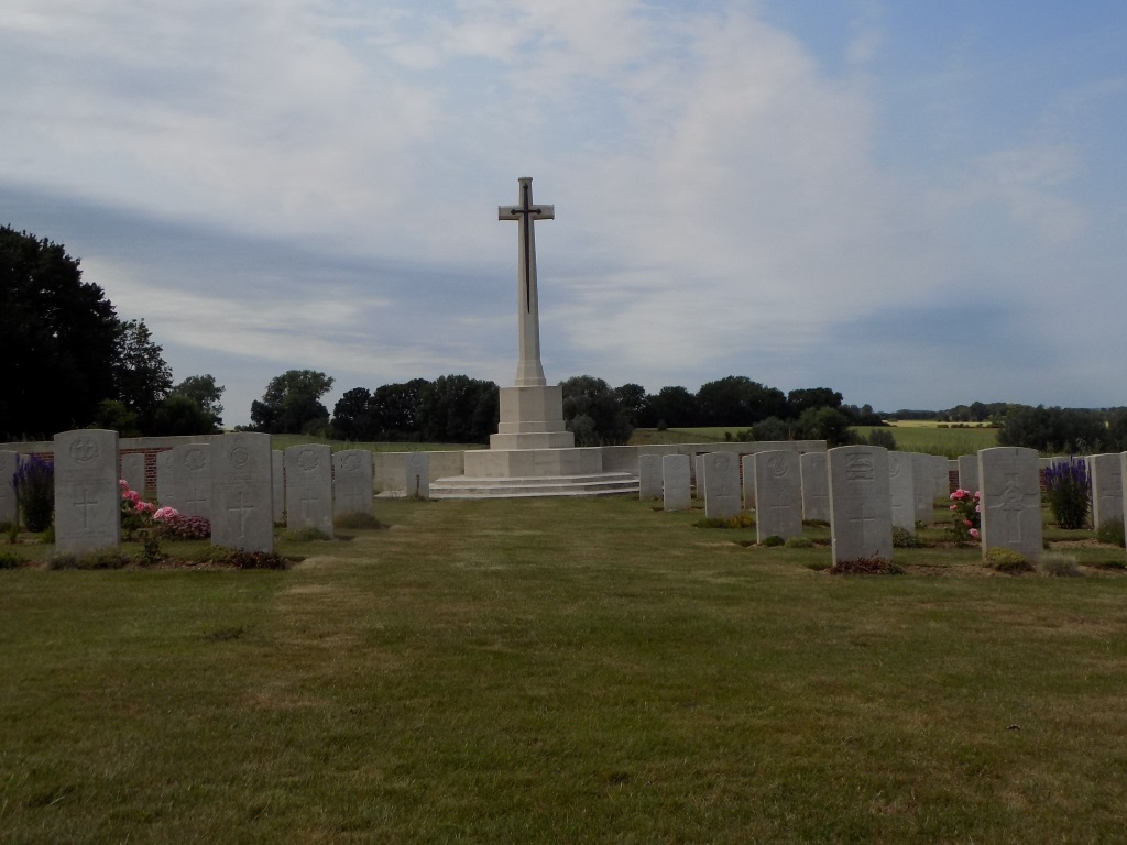 WANQUETIN COMMUNAL CEMETERY EXTENSION - CWGC