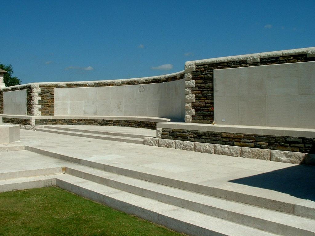 V.C. CORNER AUSTRALIAN CEMETERY AND MEMORIAL, FROMELLES - CWGC