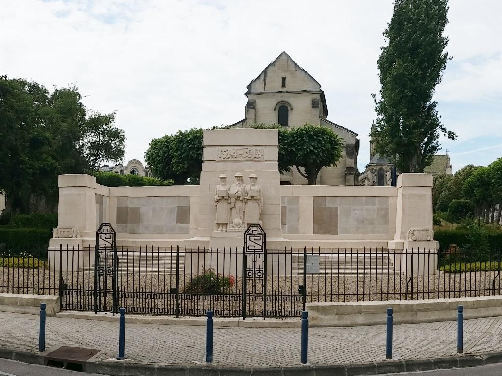 SOISSONS MEMORIAL - CWGC