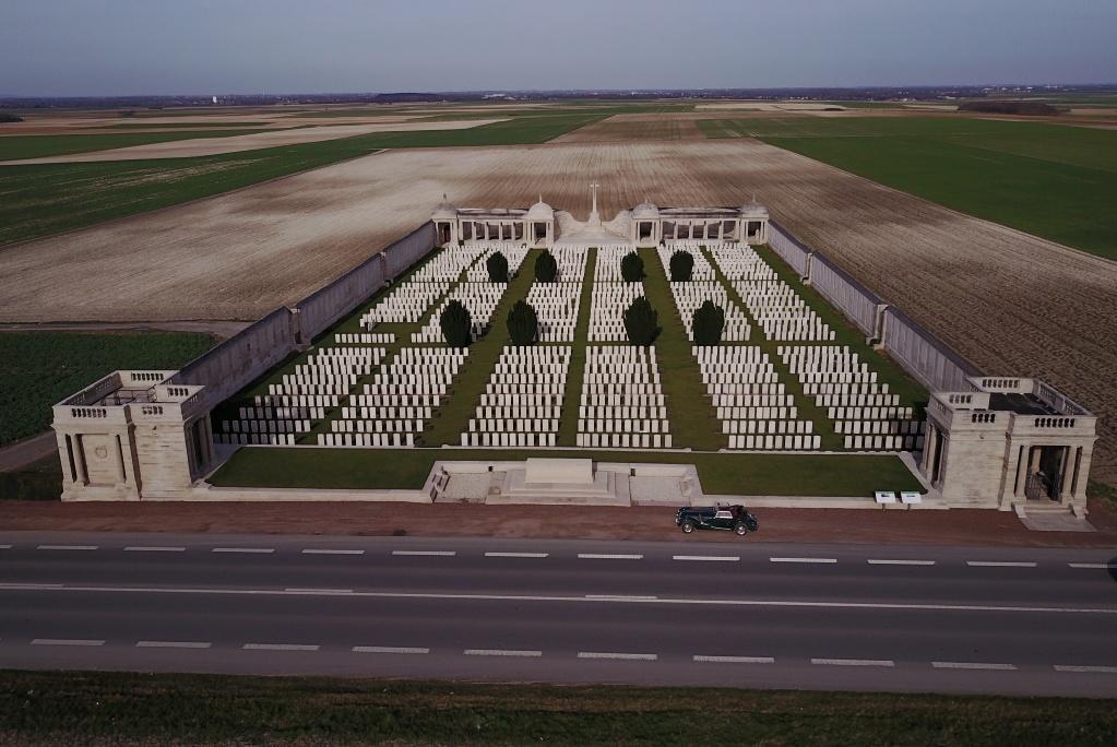 LOOS MEMORIAL - CWGC