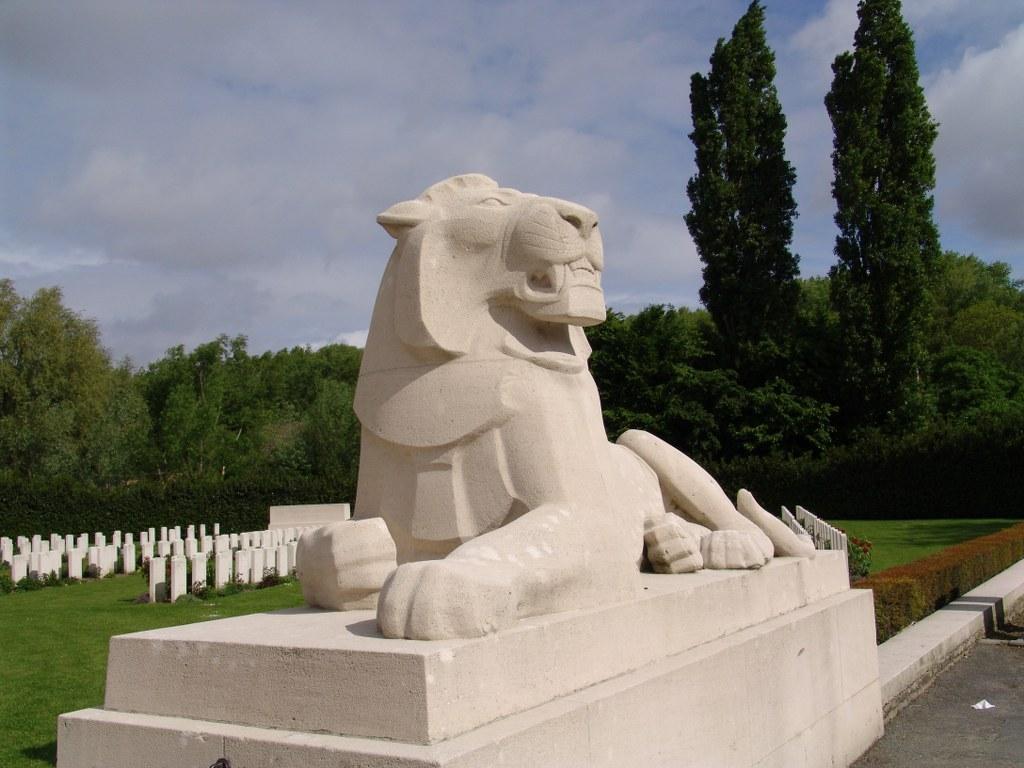 PLOEGSTEERT MEMORIAL - CWGC