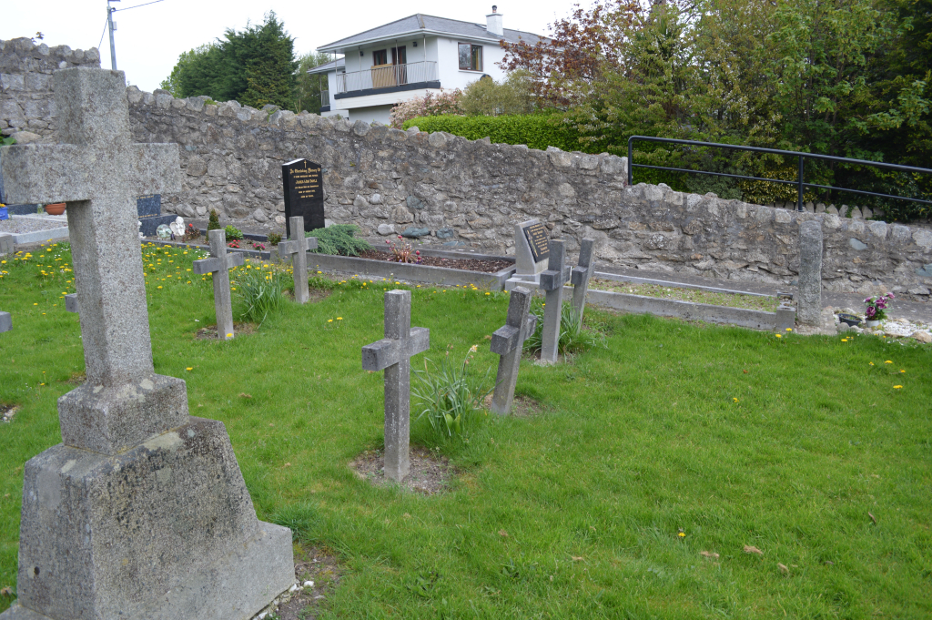 KILGOBBIN BURIAL GROUND - CWGC