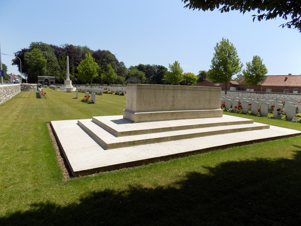 MENIN ROAD SOUTH MILITARY CEMETERY - CWGC