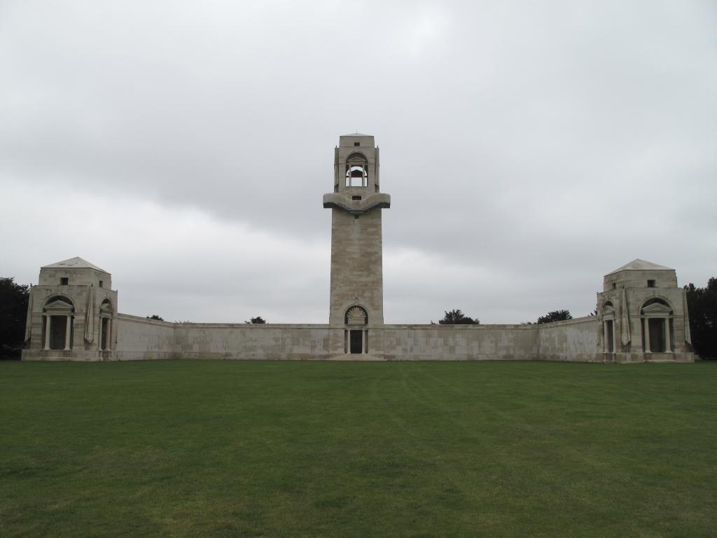 VILLERS-BRETONNEUX MEMORIAL - CWGC