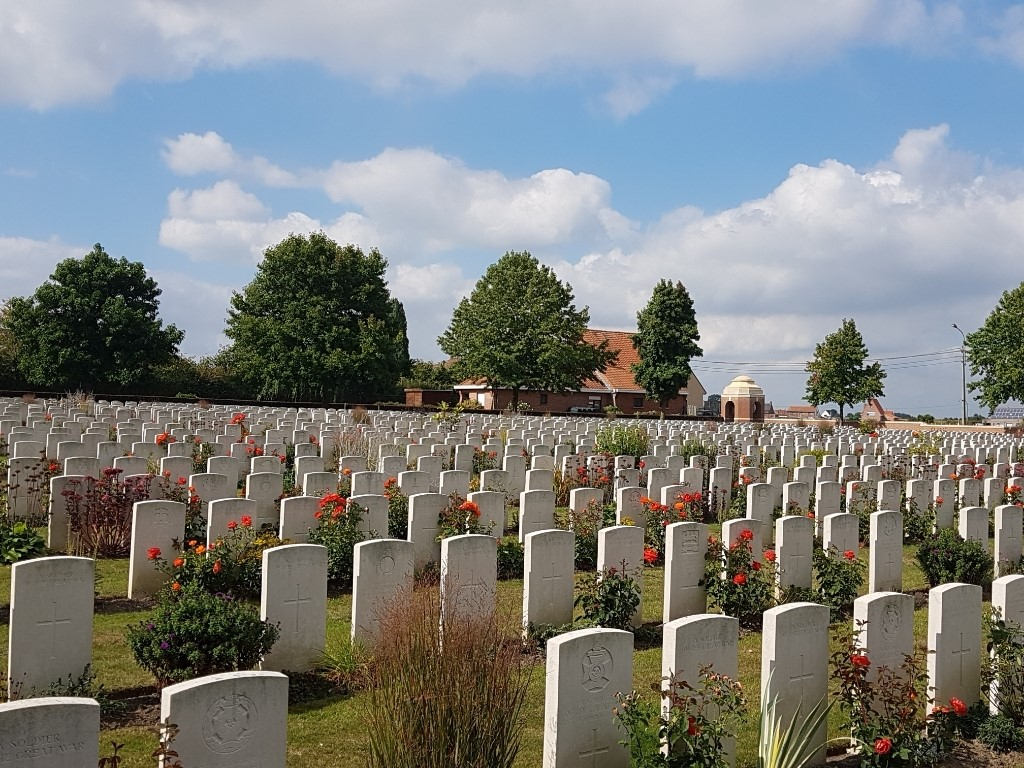 CEMENT HOUSE CEMETERY - CWGC